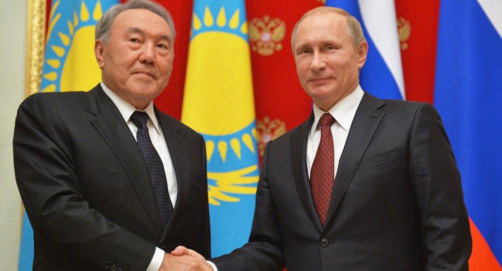 Казахстаны президентæй ногæй æвзæрст æрцыд Нурсултан Назарбаев.
