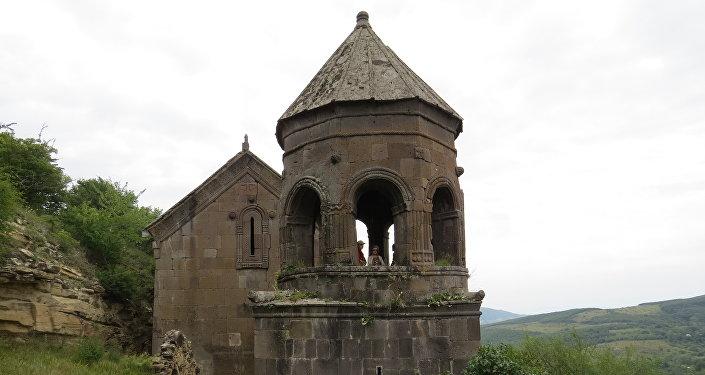 Монастъеры дзуар