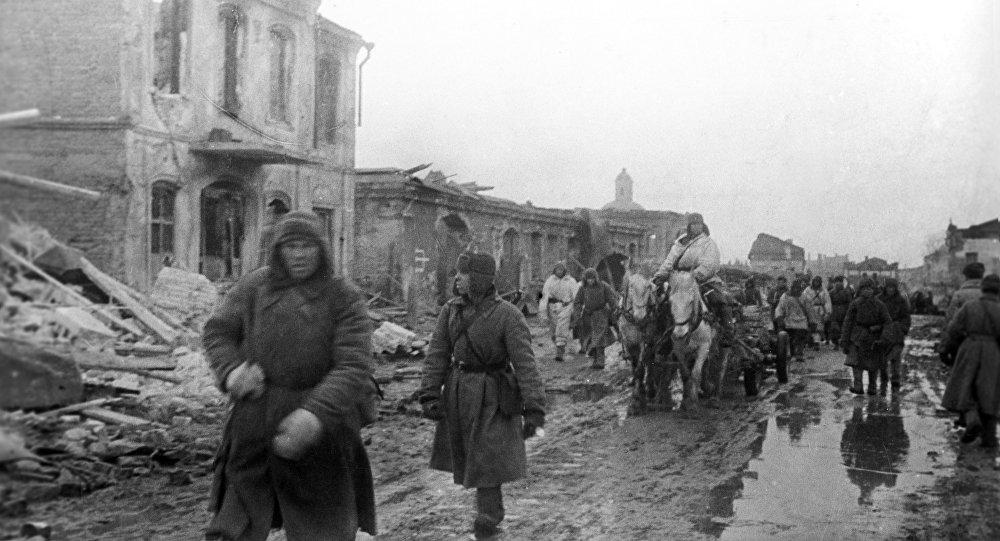 Пленные немецкие солдаты и офицеры на улицах Москвы