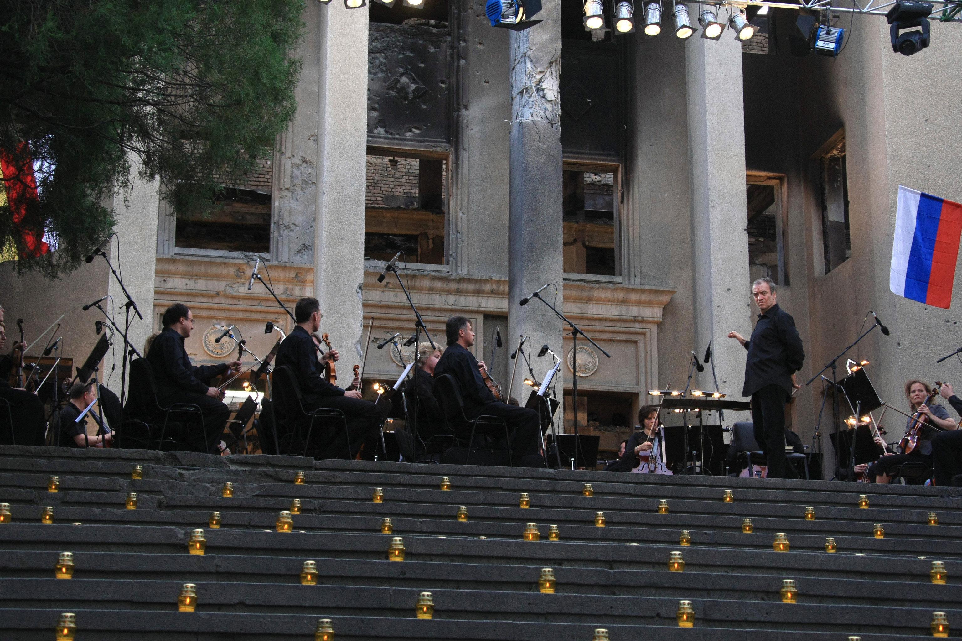 В Цхинвале прошел концерт Мариинского симфонического оркестра под управлением Валерия Гергиева