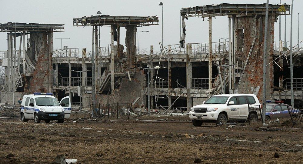 В районе донецкого аэропорта возобновились бои