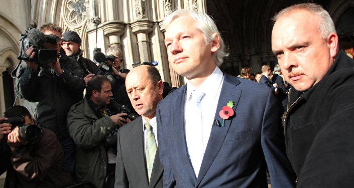 Британский суд подтвердил решение об экстрадиции Ассанжа в Швецию