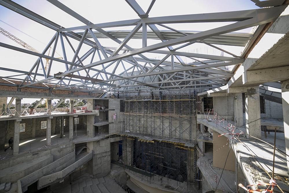 На его строительство по Инвестпрограмме содействия социально-экономическому развитию Республики Южная Осетия выделен  1 миллиард 299 миллионов рублей.