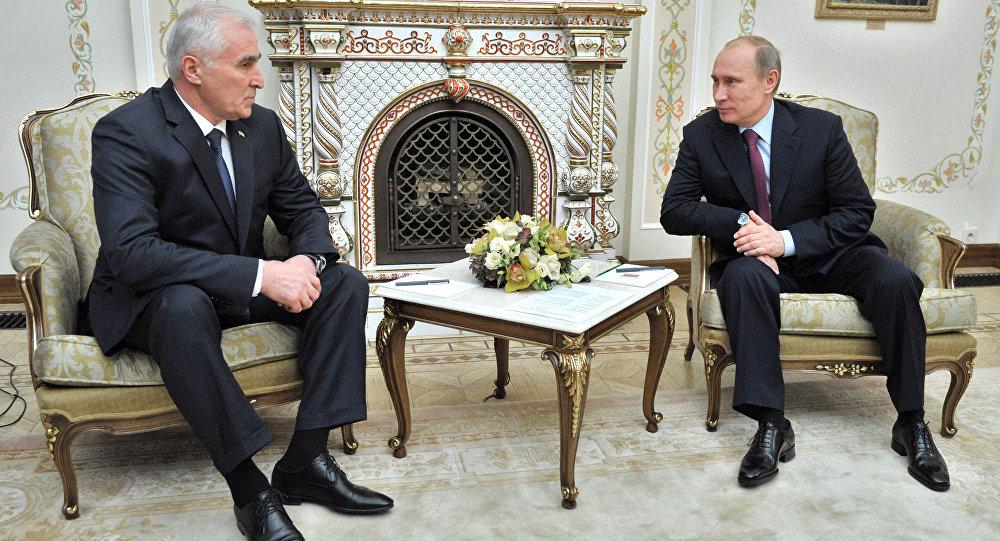 В.Путин встретился с Л.Тибиловым