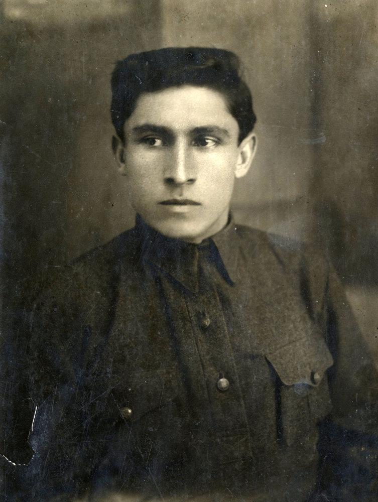Поэт Нафи Джусойты