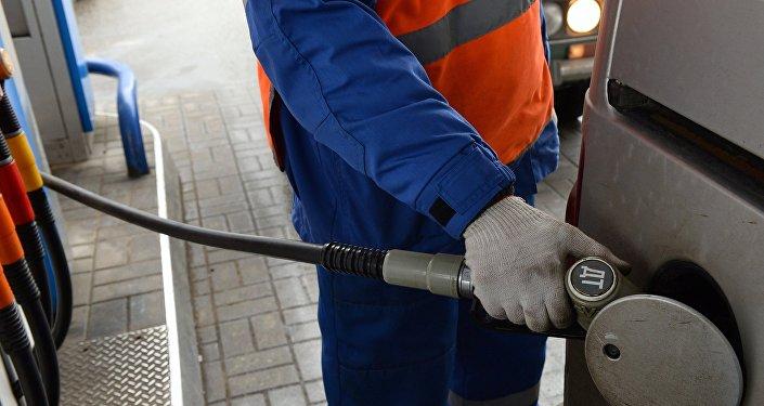 Акцизы на бензин и дизельное топливо повысили с 1 апреля