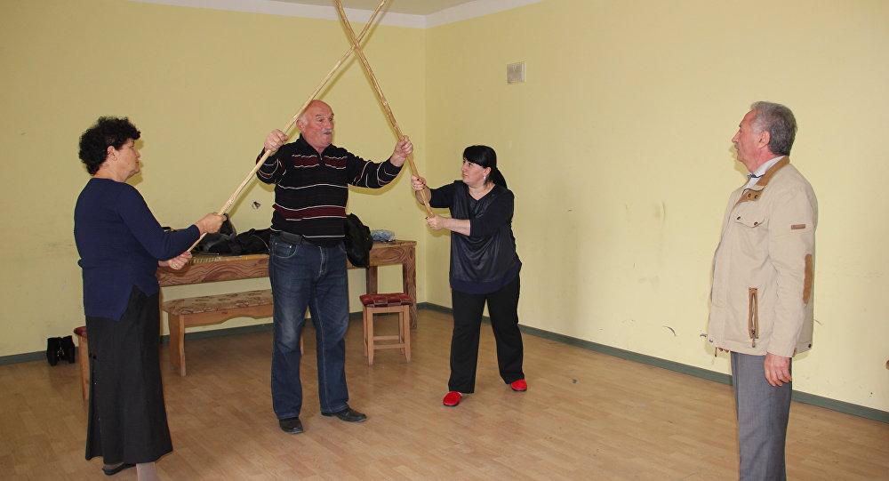 Цхинвалы районы адӕмон театр репетици кӕны ног спектакль