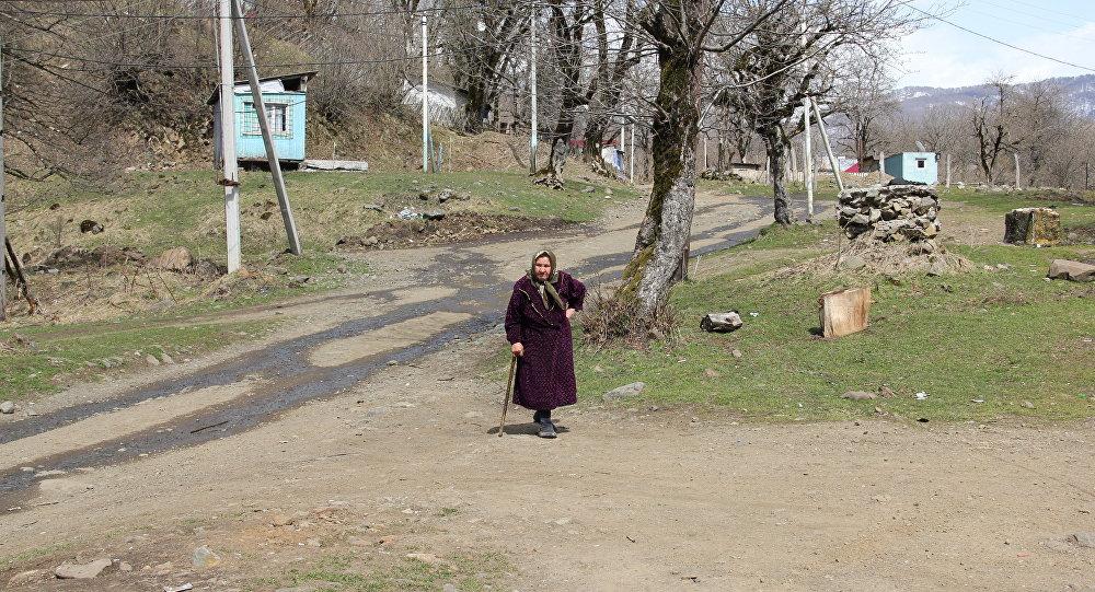 Жительница села Теделет