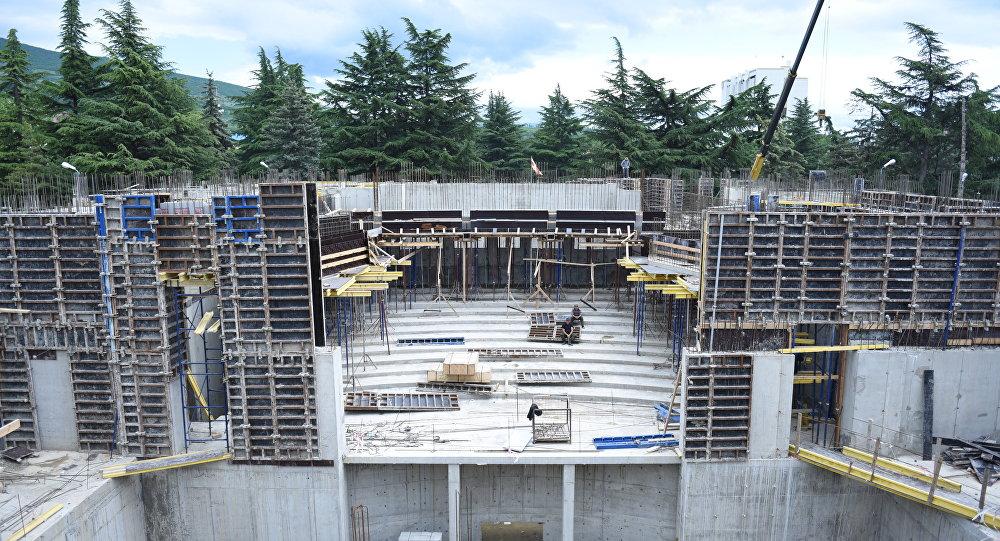 Строящееся здание театра в Цхинвале