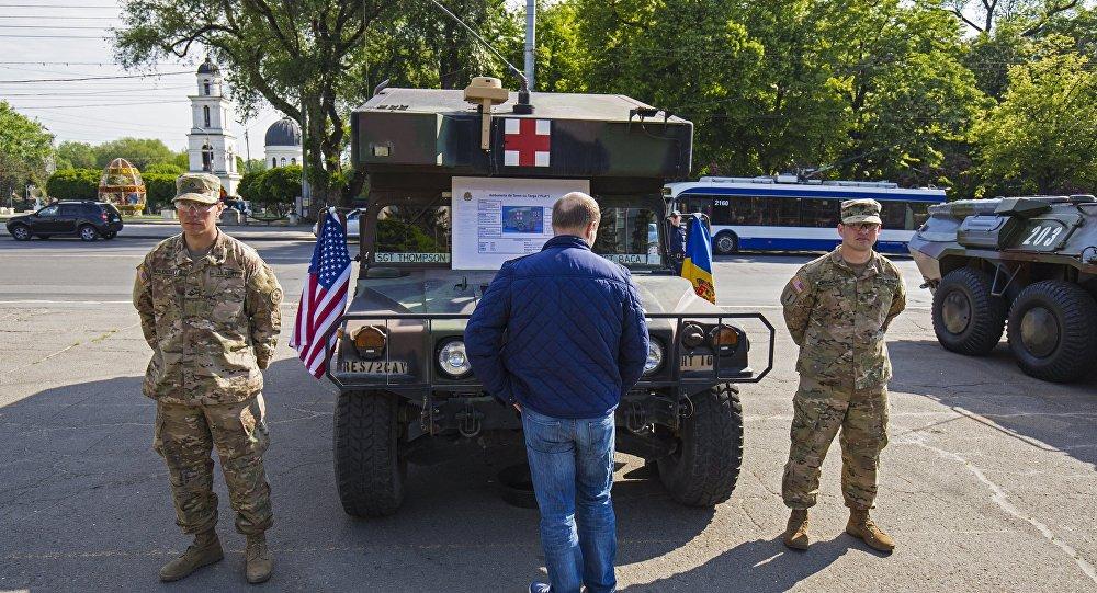 Военная техника США в Кишинёве