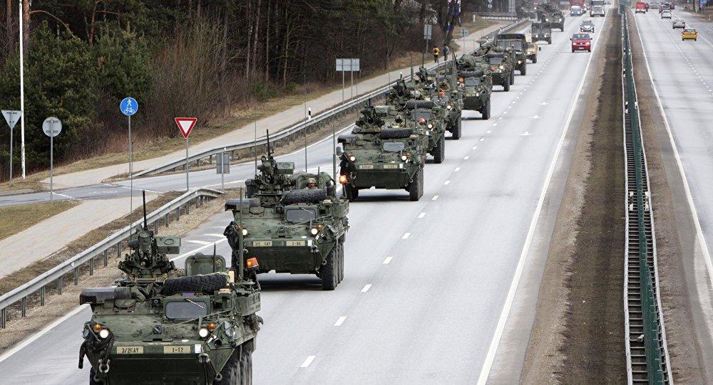 Показательный марш военнослужащих армии США Dragoon Ride в восточной Европе