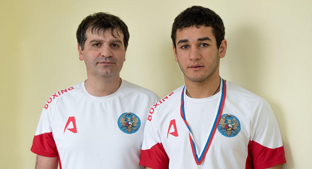 Владислав Кочиев и его тренер Алан Чехоев.