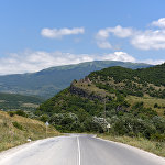 Дорога ведущая в село Дменис