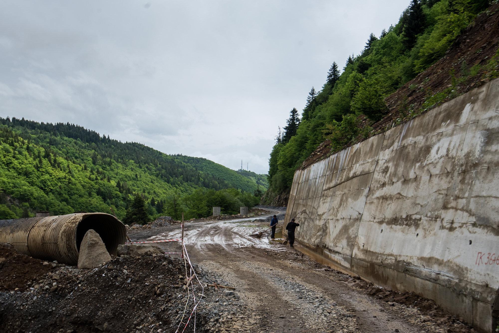 Проблемный оползневый участок дороги Гуфта - Кемулта.
