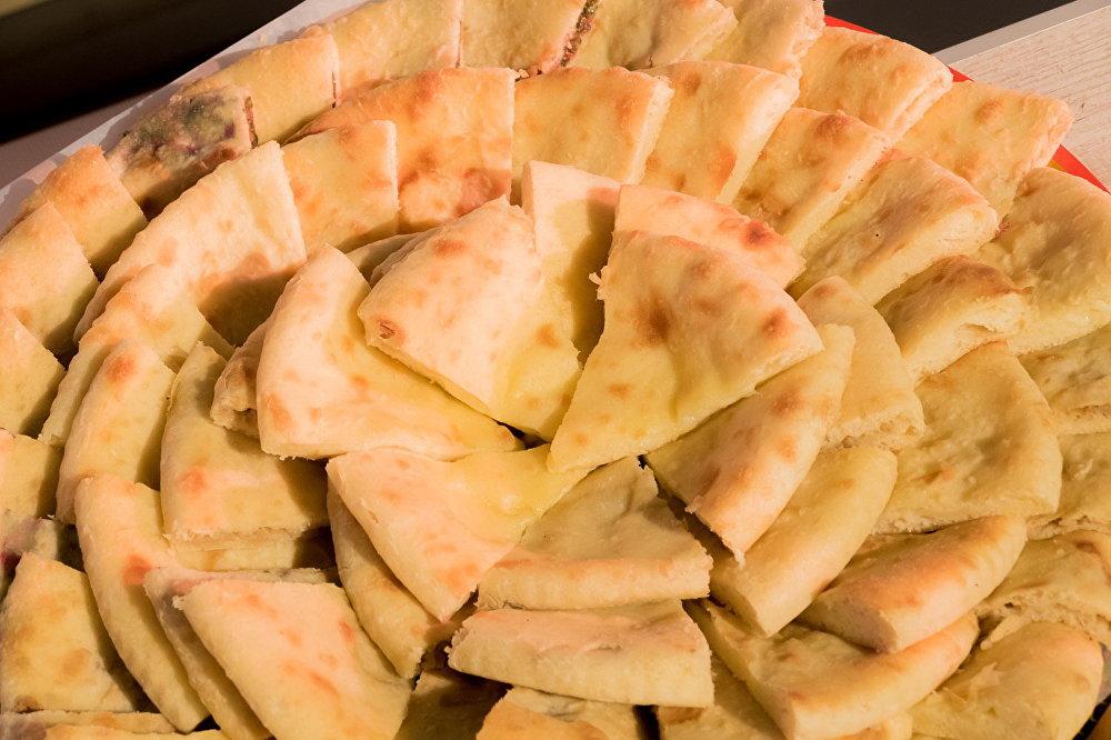 Пироги  — главное и самое популярное блюдо осетинской кухни.