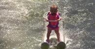 Шестимесячная рекордсменка: девочка проехала 209 метров на водных лыжах в США