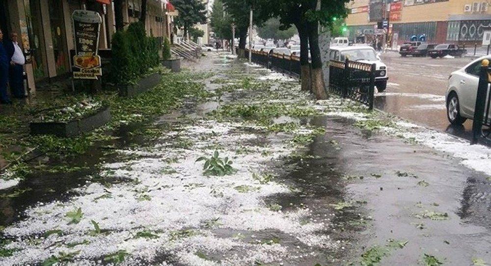 После мощного града вСеверной Осетии ввели режимЧС