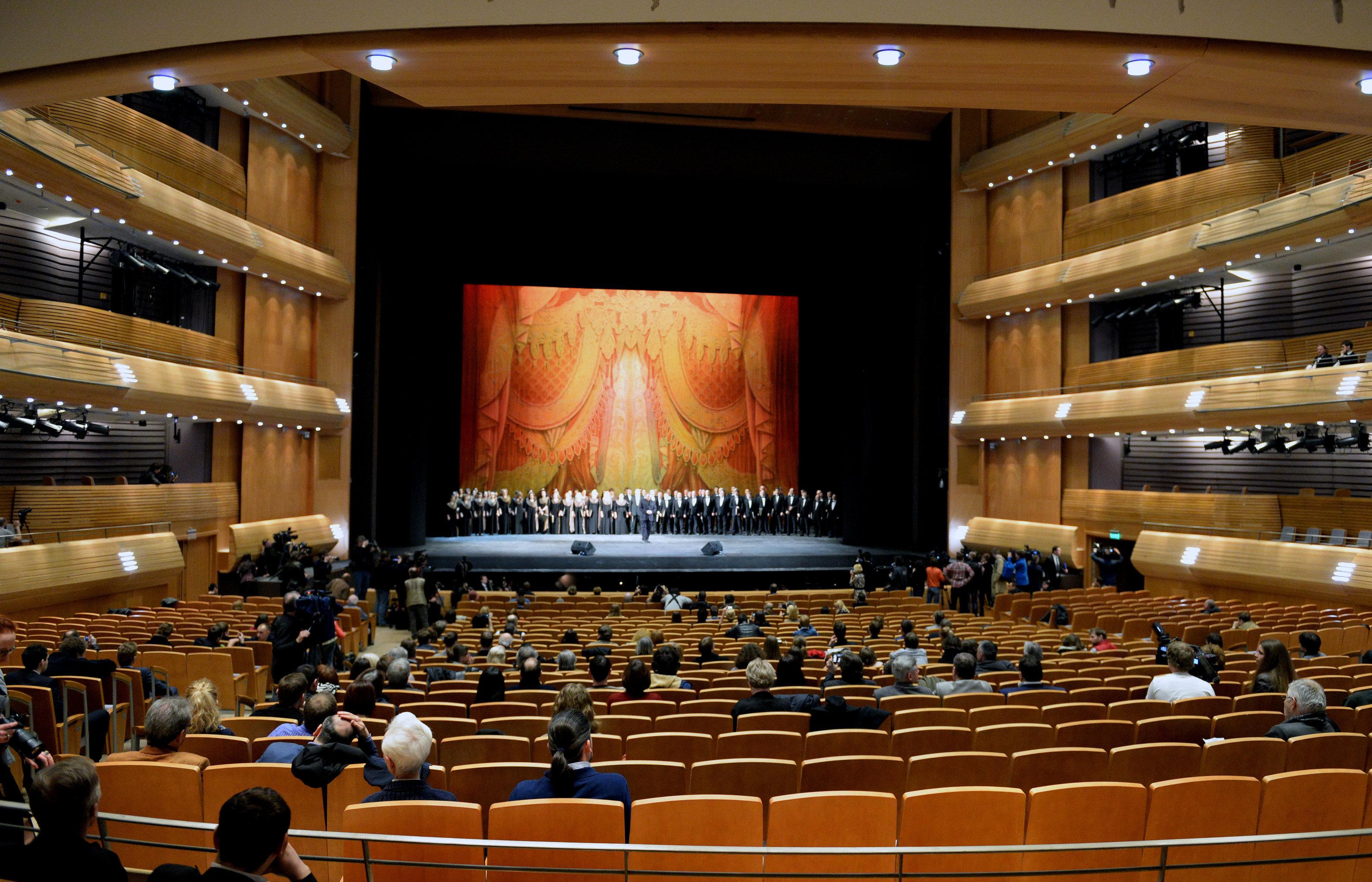 Маэстро В.Гергиев на сцене Мариинки