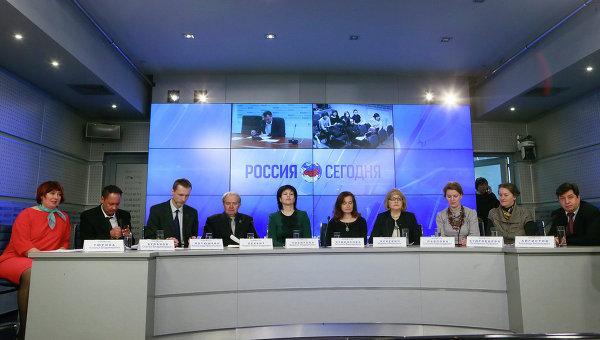 Изучение русского языка в СНГ обсудили русисты на встрече в Москве.