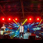 Группа Morandi начала свою часть концерта хитом Save me.