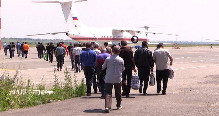 Граждан Армении, застрявших на Военно-Грузинской дороге, отправили бортом МЧС
