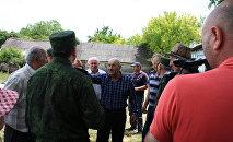 Встреча представителей КГБ с жителями Велит