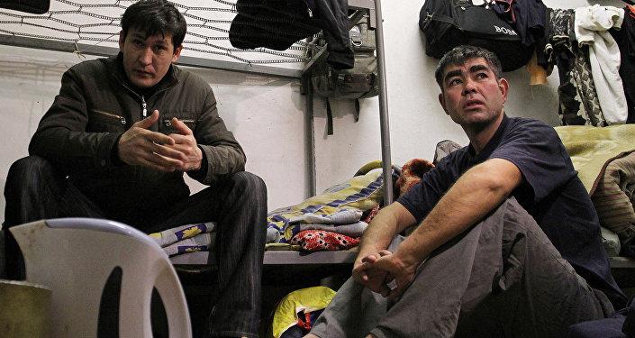 Мигранты из СНГ
