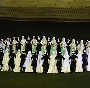 Концерт 3 ансамблей на стадионе