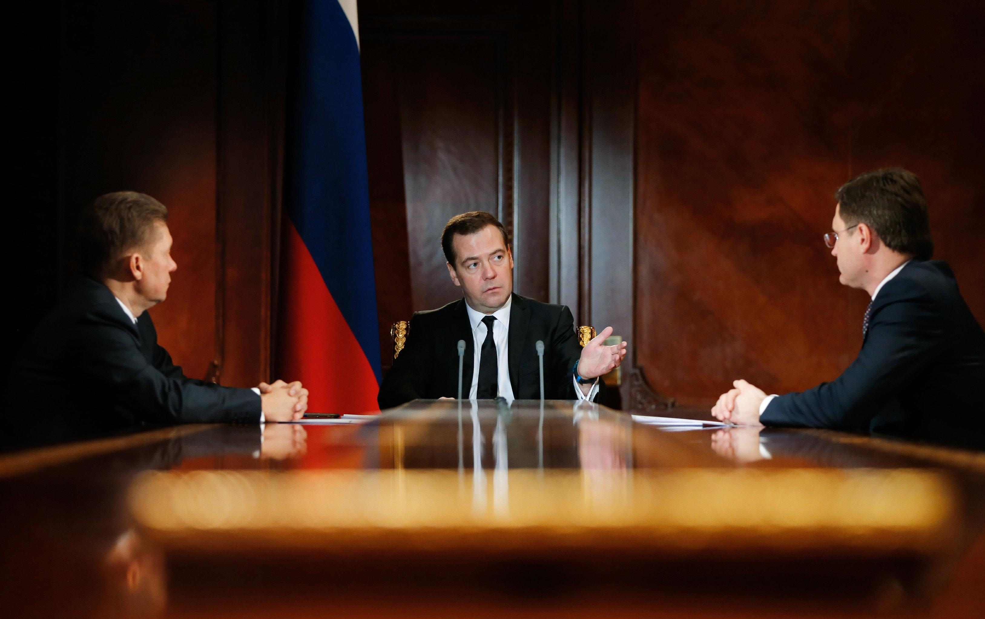 Премьер-министр РФ Д.Медведев провел встречу с главой Газпрома А.Миллером и министром энергетики А.Новаком