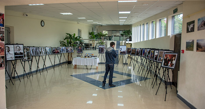 Выставка в холле ГККЗ Чермен.