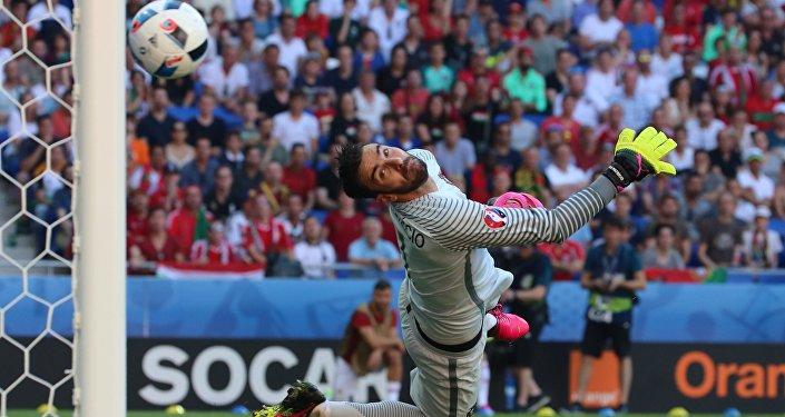 Матч чемпионата Европы по футболу - 2016 между сборными Венгрии и Португалии