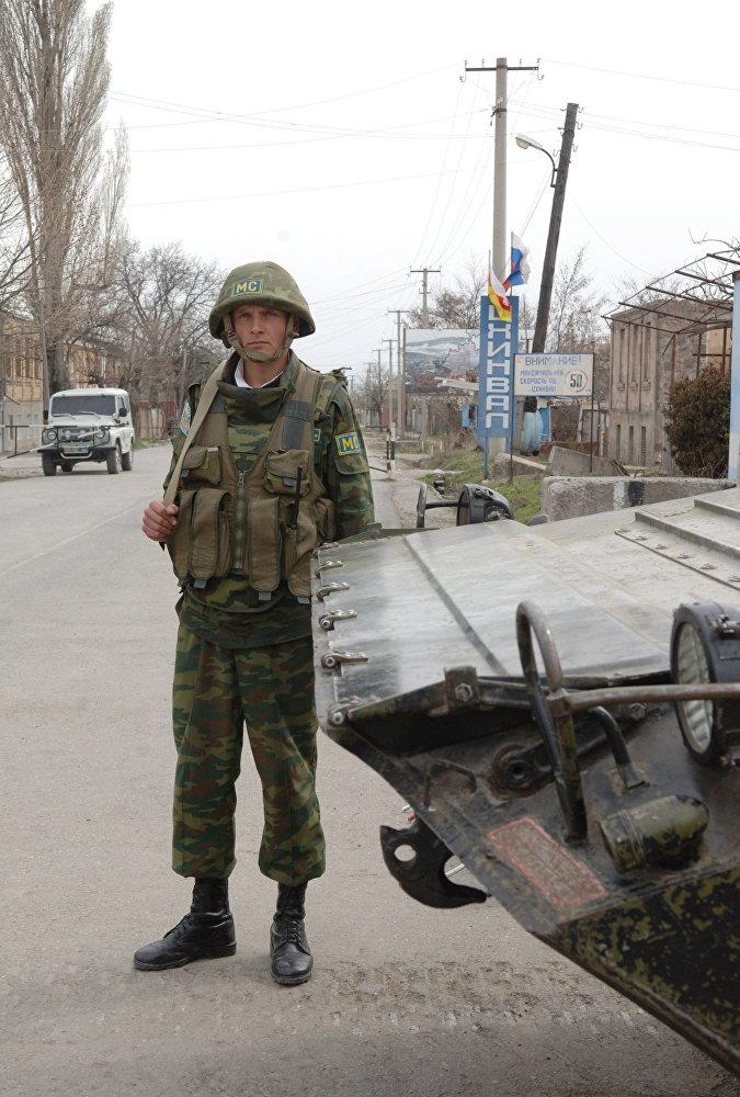 Российские миротворцы на окраине Цхинвала.