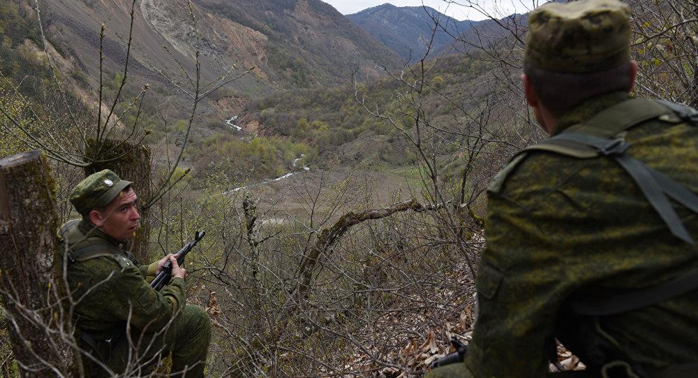 Российские пограничники на службе в ЮО