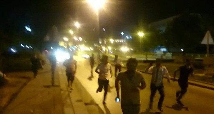 Стрельба и паника на улицах Анкары: попытка военного переворота в Турции