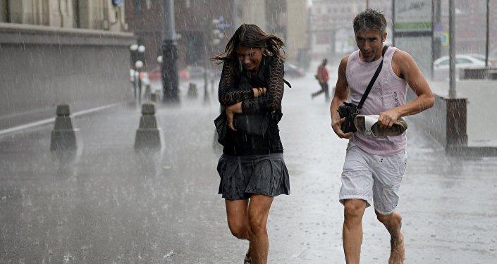 Мощный ливневый циклон во Владивостоке