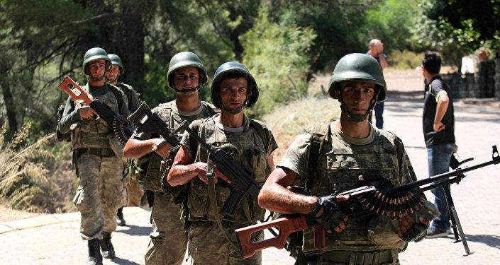 Военнослужащие Турции