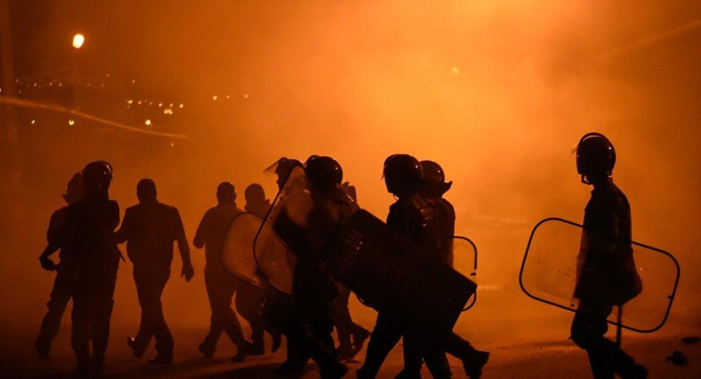 Участники перелома  вАрмении открыли огонь пополицейским