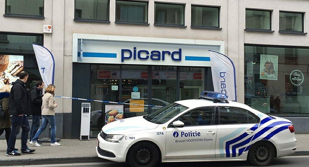 Автомобиль полиции на улице в Брюсселе