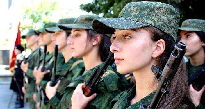 Торжественная церемония приведения к Военной присяге югоосетинских курсантов
