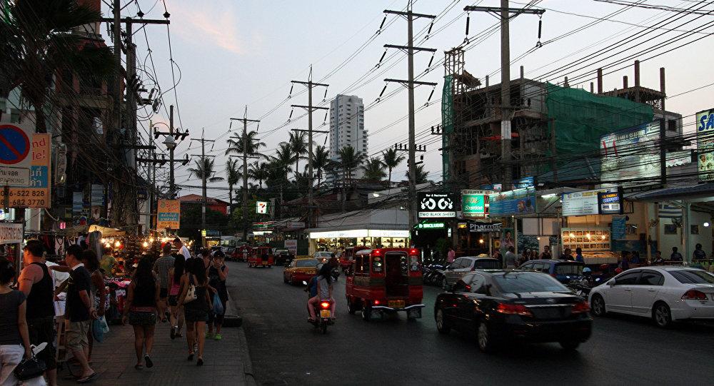 ВТаиланде обнаружили еще две взрывчатки нарынке, известном среди туристов