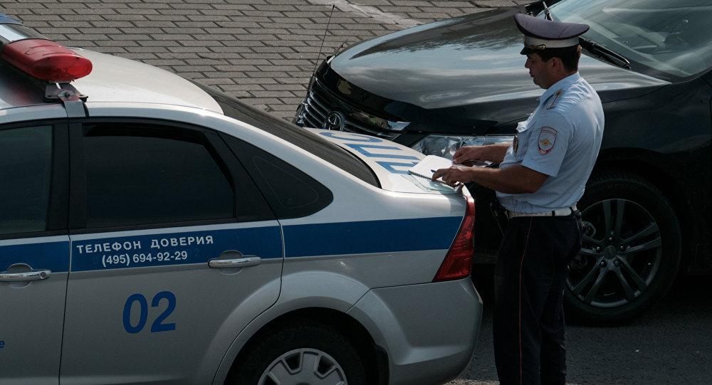 Сотрудник ДПС на Зубовском бульваре