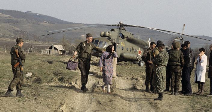Эвакуация беженцев из сельских районов Южной Осетии