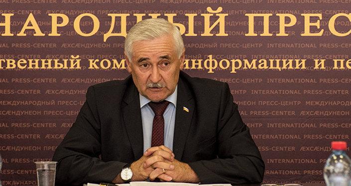 Глава МЧС РЮО Сергей Санакоев