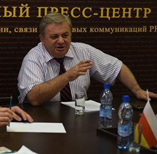 В.Гобозов