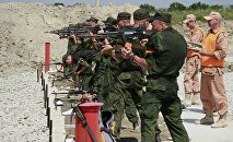 Военнослужащие на огневом рубеже