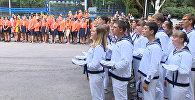 Французские и российские дети спели гимн РФ на прощании со сменой  в Артеке