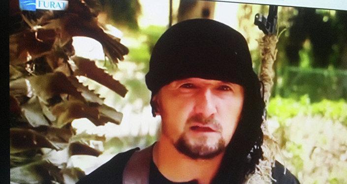 Кадр из видеоролика, в котором Халимов заявил об уходе в ИГ