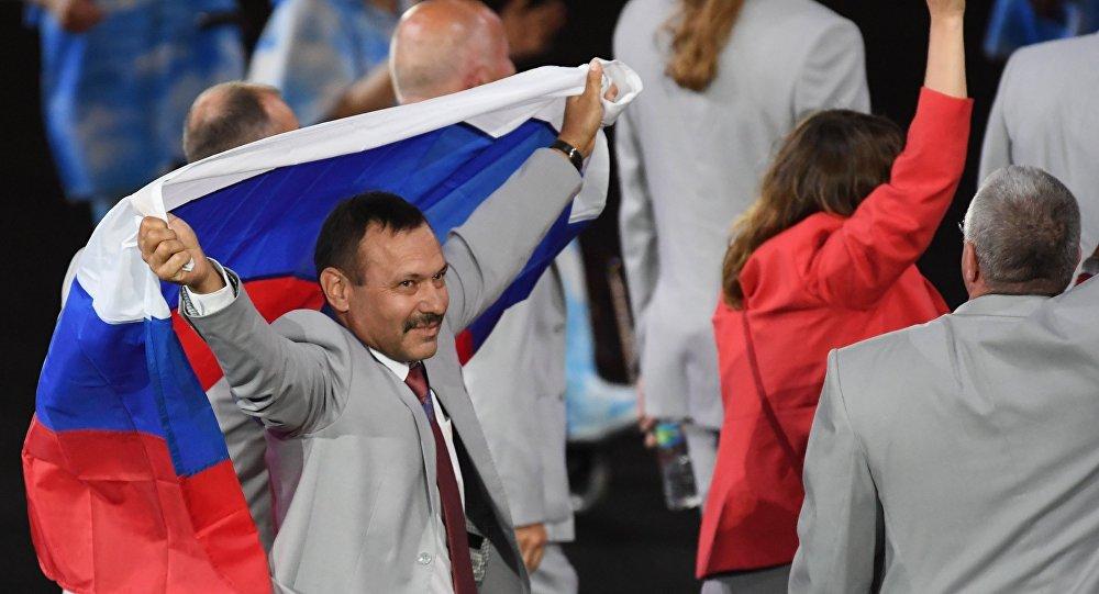 Делегат от Белоруссии пронес перед аудиторией российский флаг — Открытие Паралимпиады