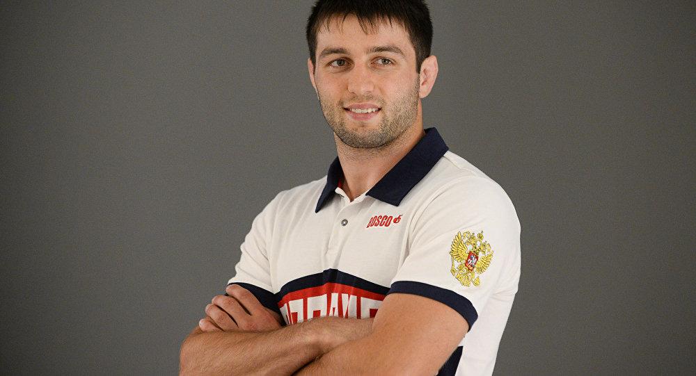 Борец Сослан Рамонов.