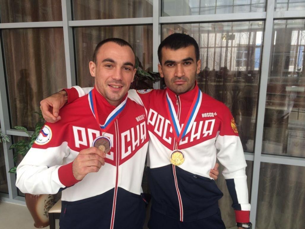 Осетинские паралимпийцы Чермен Кобесов (слева) и Гоча Хугаев